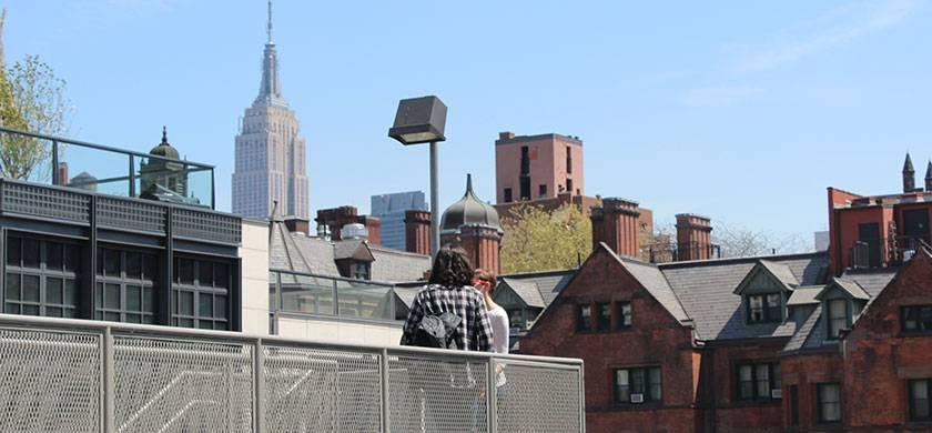 vista del empire state building desde uno de el highline