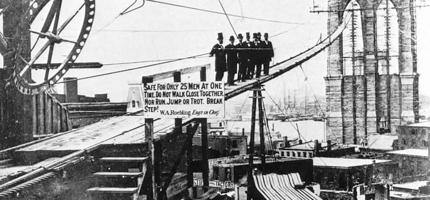 inicios de la construcción de la plataforma del puente de brooklyn